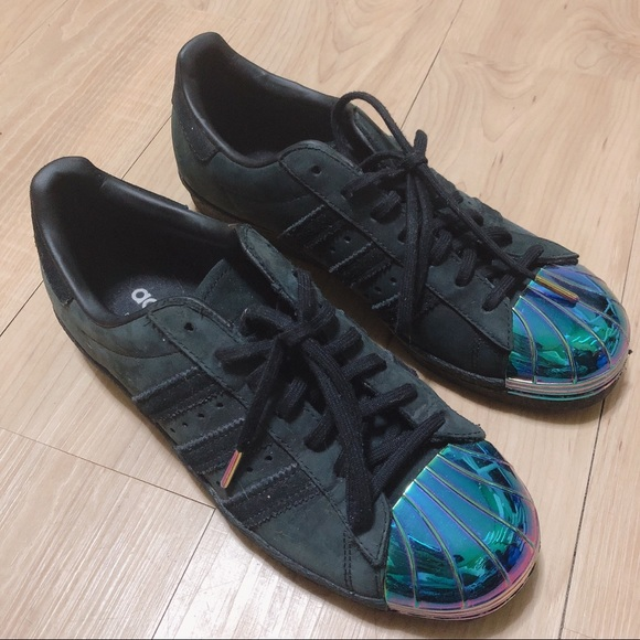 adidas superstar black suede